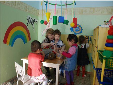 Развивающий уголок в детский сад своими руками