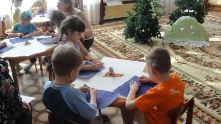 Рисунки о весне руками детей поделки